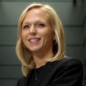 Christine Allen headshot